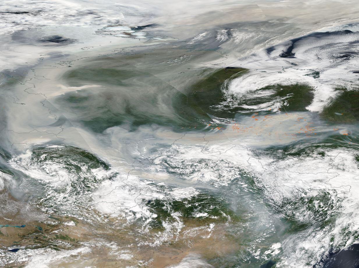 Sibirya'da orman yangınları sürüyor: Dumanlar tarihte ilk kez Kuzey Kutbu'na ulaştı